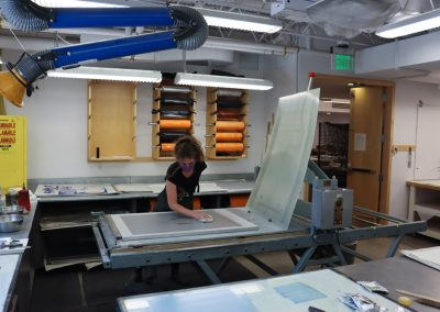 Printing a lithograph by Zahra Marwan